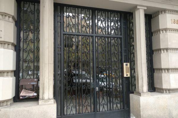 1.450Eur/mes, 120 m2, 4 Hab., 1 Baño + Aseo, Sin Muebles, Sin Electrodomésticos (C/Muntaner con Córsega)