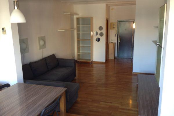 1.300 Euros, 50m2  Atico con terraza, 1 Hab. Amueblado con Electrodomésticos (Enric Granados-Corcega)